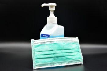 UNE facilita el acceso gratuito a sus normas para la fabricación de material contra el coronavirus
